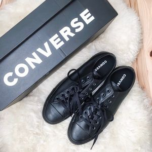 Uni-Sex Like New Black Converse